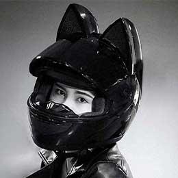 Cascos de moto con orejas de gato
